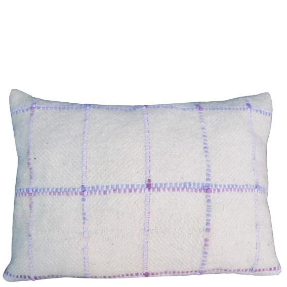 Handwebkissen mit violetten Bändern